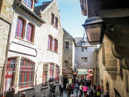Rue principale du Mont-Saint-Michel