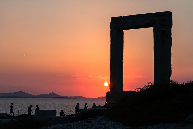 Coucher de soleil sur les ruines de Naxos