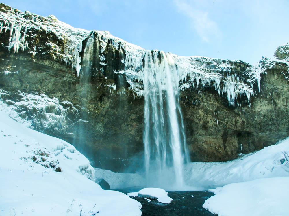 Les chutes de Seljalandsfoss