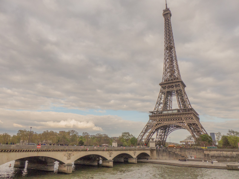 La Tour-Eiffel depuis le Port Debilly