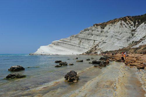 La peu célèbre plage de Scala dei Turchi, par Tiberio Frascari