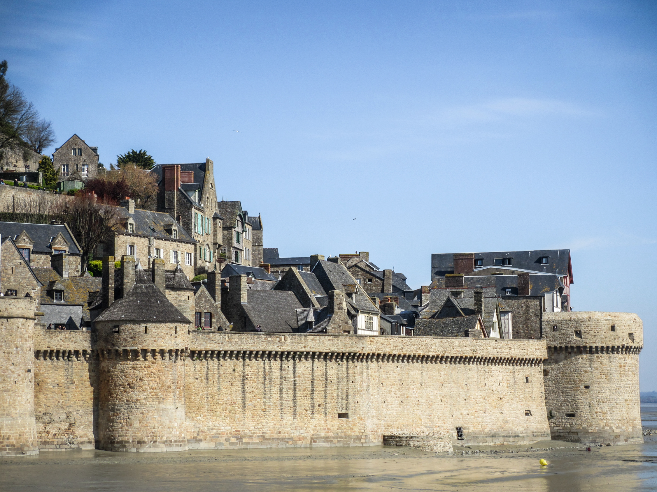 mont-saint-michel-remparts