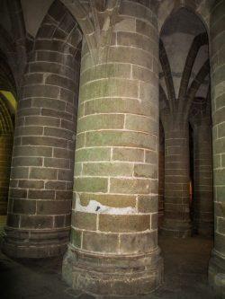 mont-saint-michel-crypte