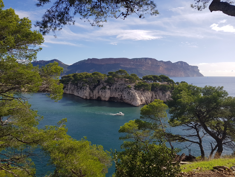 calanque-marseille-Port-miou