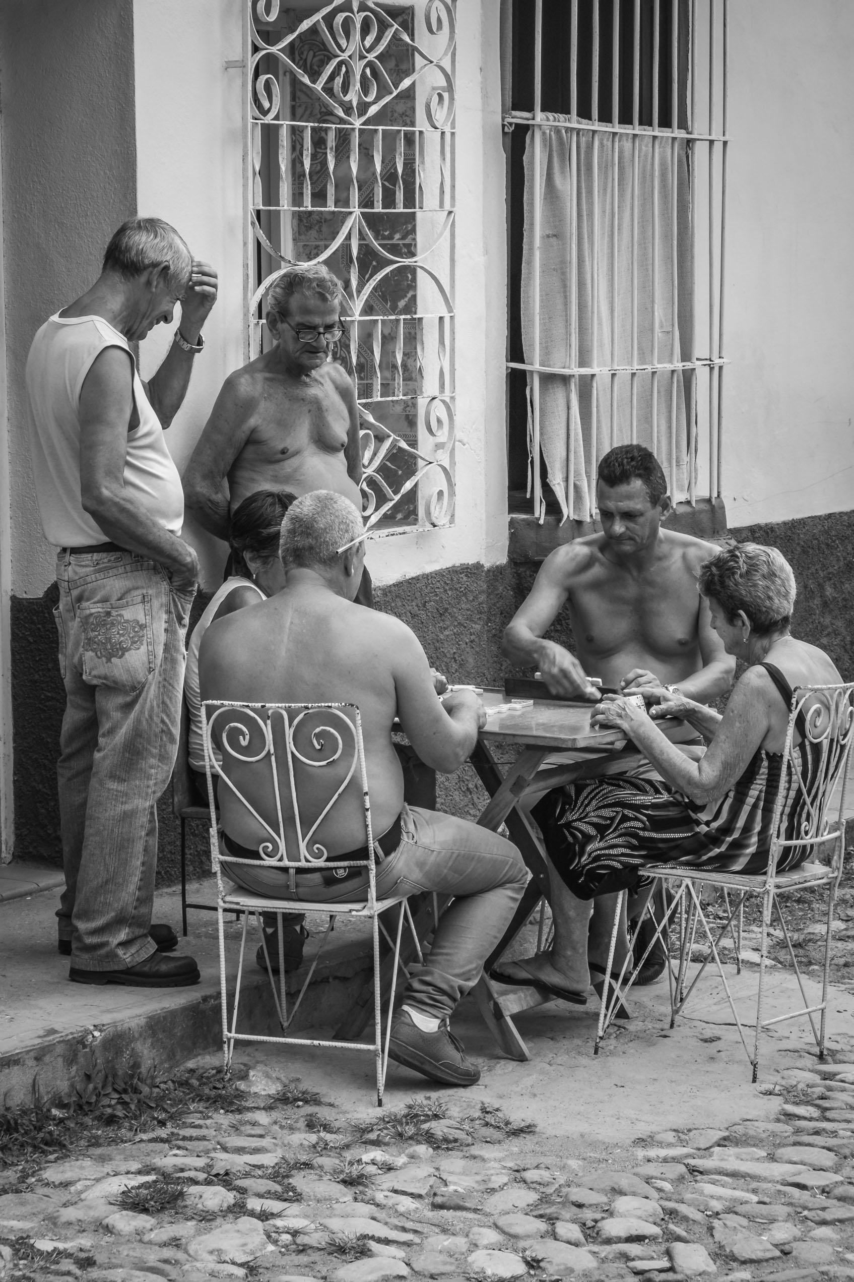 cubains-jouant-rue-trinidad